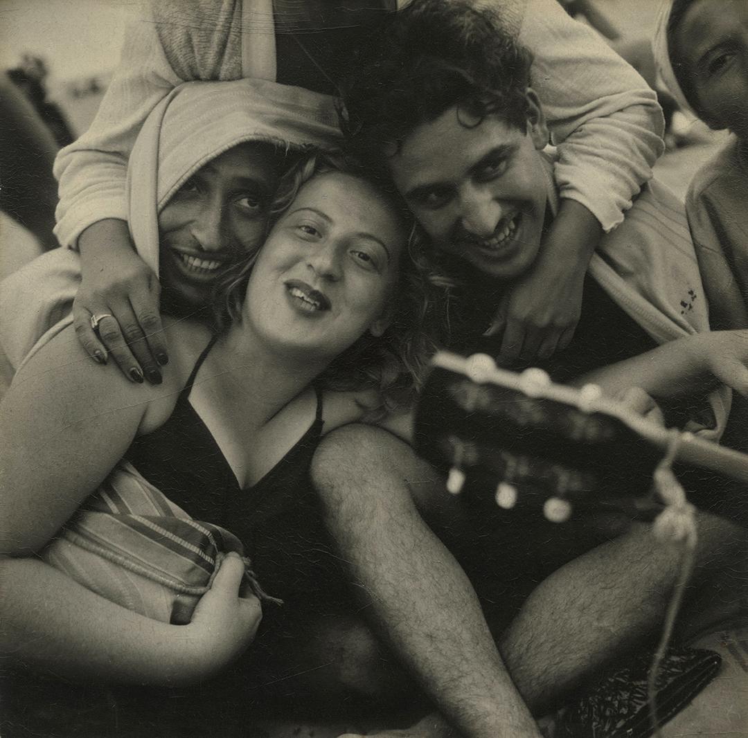 Sid-Grossman-Coney-Island-1947-72dpi